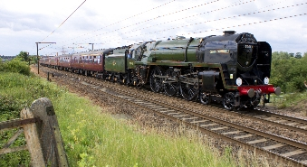 steam-train-oliver-cromwell